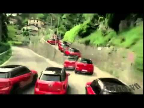 Quảng cáo xe ô tô như có ma thuật =))