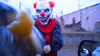 Scary Clowns Destroy Thanksgiving Party! Creepy Clown Chase