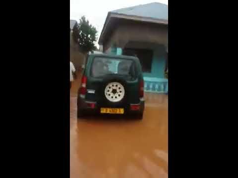 Bujumbura Burundi : Rain hit many houses and roads in the city of Bujumbura.