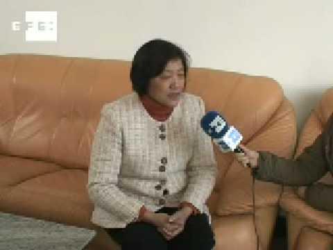 """La mujer campesina china """"vale menos que un pollo"""", según presidenta de escuela rural . de YouTube · Duración:  1 minutos 33 segundos"""