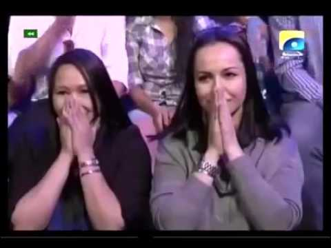 Young Filipino boy and Tajik girl Singing Hindi Song 'Balam Pichakari'Love Boy