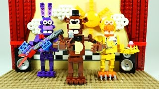 How to Build LEGO FNAF Show Stage