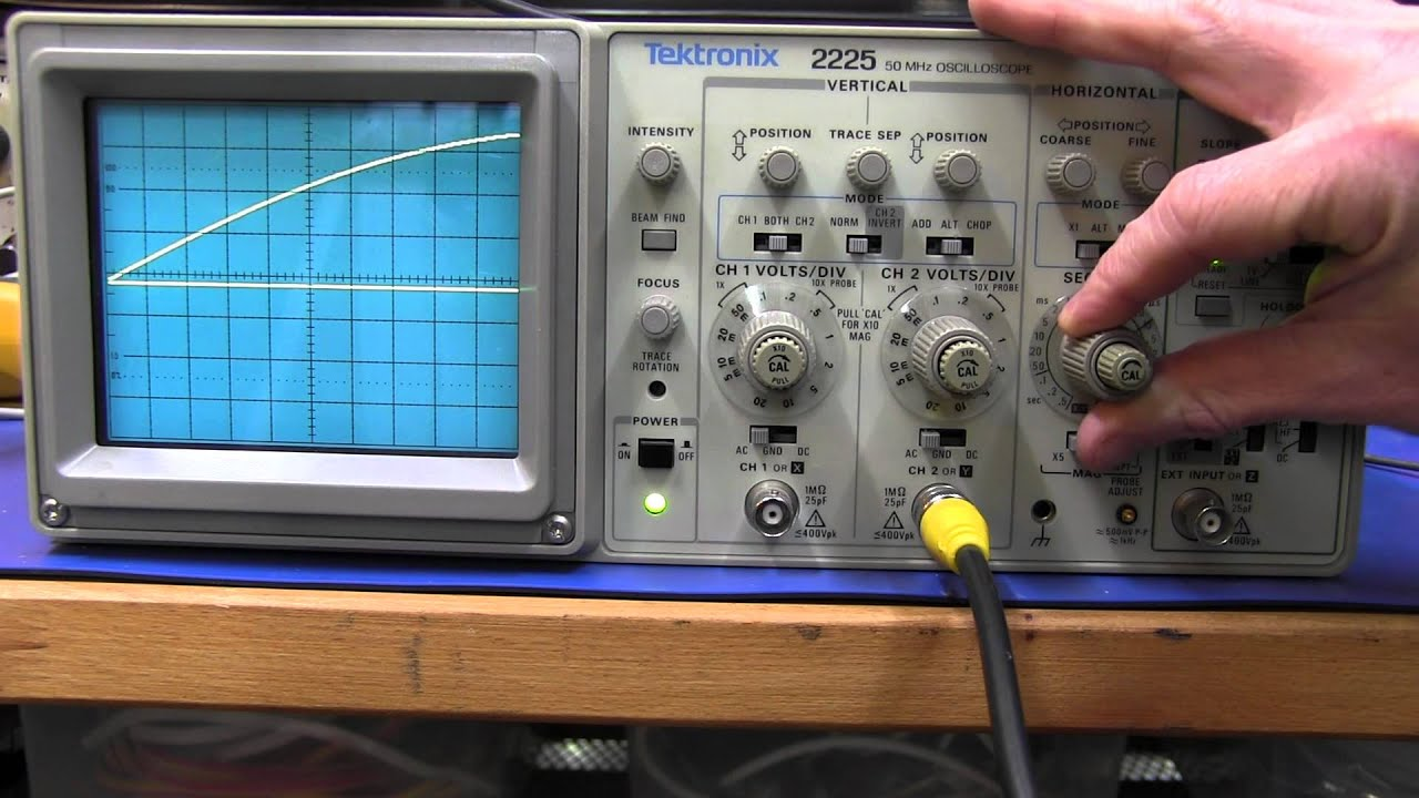 Tektronix Analog Oscilloscope : Tektronix analog oscilloscope eev doovi