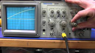 Repeat youtube video Tektronix 2225 Analog Oscilloscope - EEVblog #196