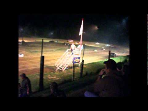 Hobby Stock race at Centerville Speedway featuring Aaron Carr
