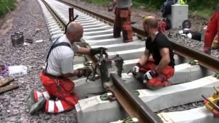 Термитная сварка рельс на железной дороге(Термитная сварка подразумевает, что источником теплоты служит перегретый расплавленный металл, образовав..., 2013-09-27T14:44:10.000Z)