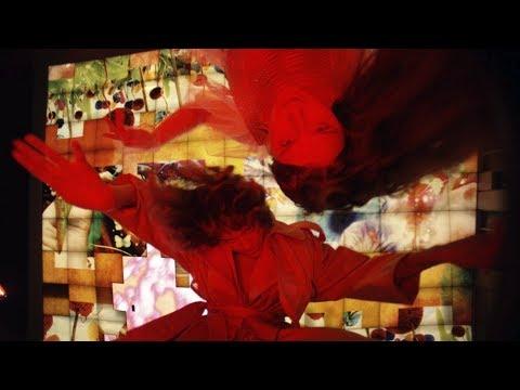 Смотреть клип Мальбэк X Сюзанна Feat. Эрика Лундмоен - За Домами