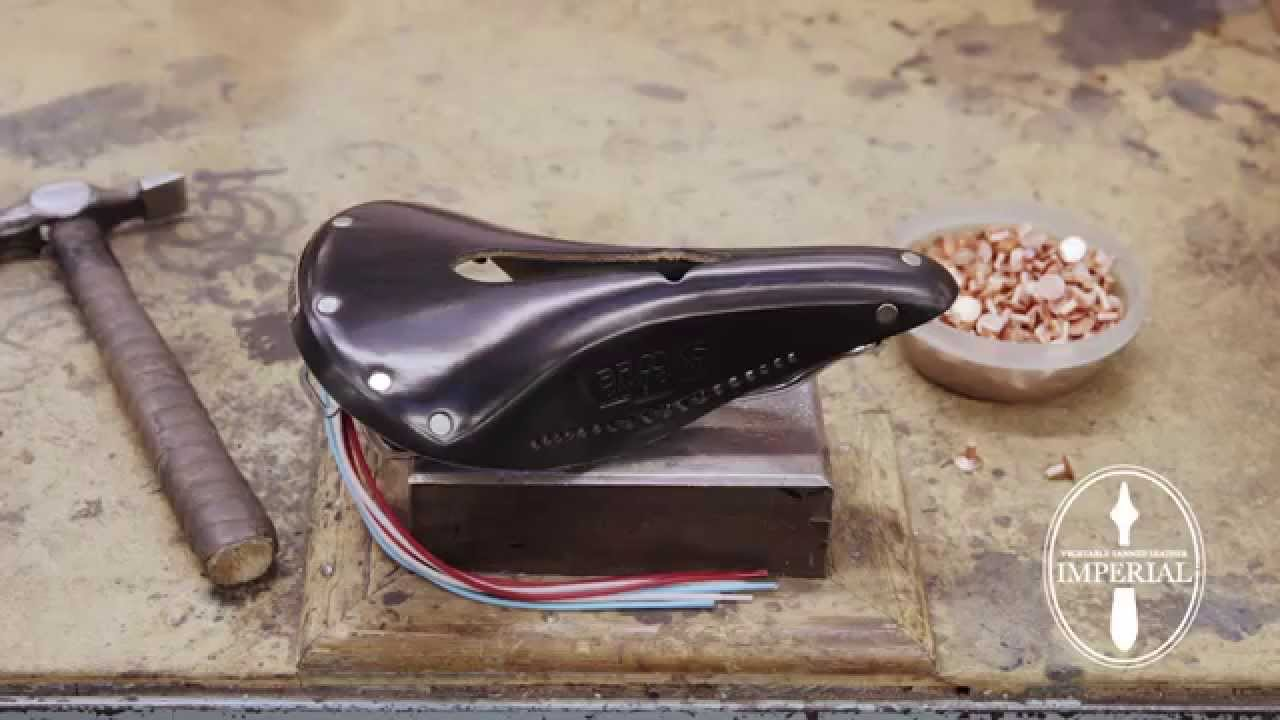 B2000979 Brooks B17 Special Unisex Leather Saddle Antique Brown//Copper Steel