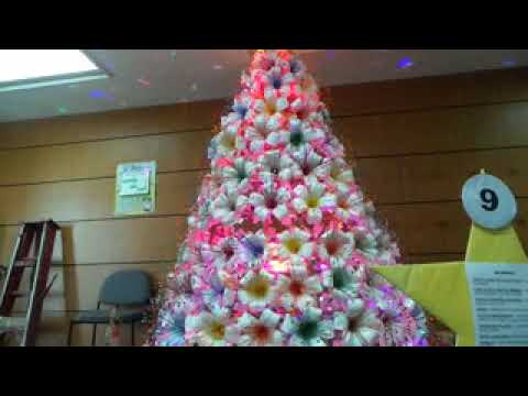 Christmas Tree Using Recycled Materials.Christmas Tree Made In Recycled Materials