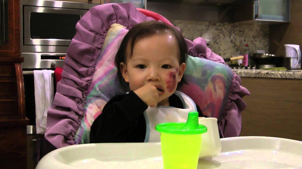Baby Eating Cheerios - YouTube