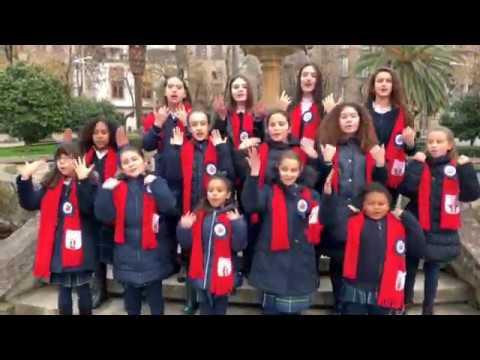 Los alumnos del colegio Padre Feijoo-Zorelle felicitan la Navidad