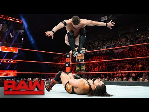 Finn Bálor vs. The Miztourage - Handicap Match: Raw, Dec. 18, 2017