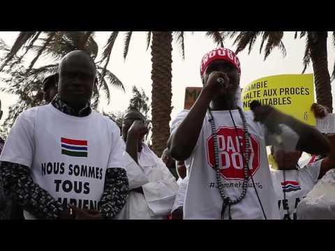 Il rapper gambiano Killa Ace, manifestazione a Dakar