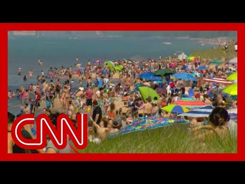 Americans flock to public places for Memorial Day