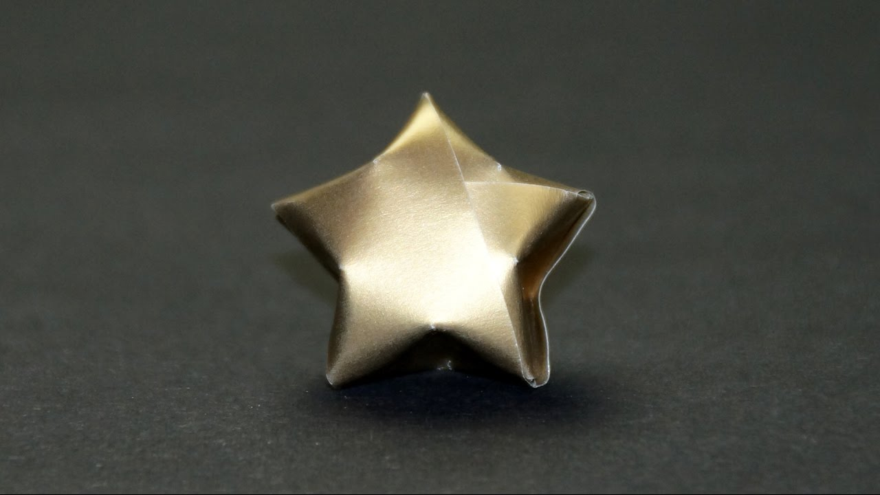 sterne basteln zu weihnachten einen origami stern falten. Black Bedroom Furniture Sets. Home Design Ideas