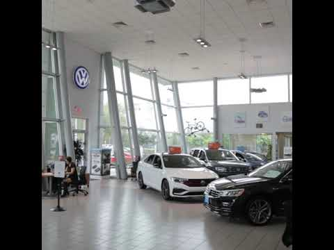 Momentum Volkswagen of Upper Kirby Showroom