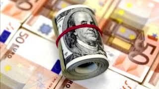 Смотреть видео Курс доллара — перед обвалом рубля инвестора скидывают активы онлайн