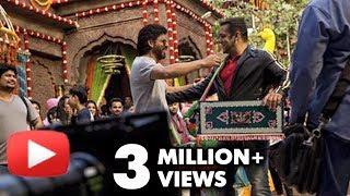 Shahrukh Khan Visits Salman Khan On The Sets Of Sultan
