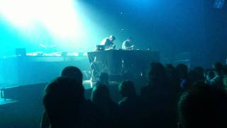Beat Torrent - Spoiled Rich Bitches (Waxdolls) Live @ Zenith Sud Montpellier 05/11/2011