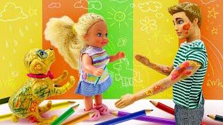 Видео про Куклы Барби. Штеффи накрасила Кена. Игрушки для девочек
