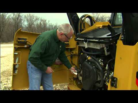 Cat® Skid Steer Loader Daily Oil Check