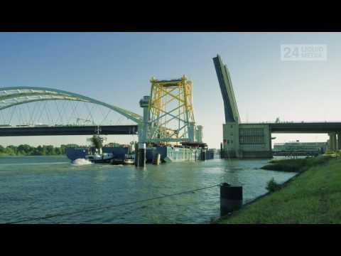 Brienenoordbrug - Offshore transport Rotterdam (Timelapse)