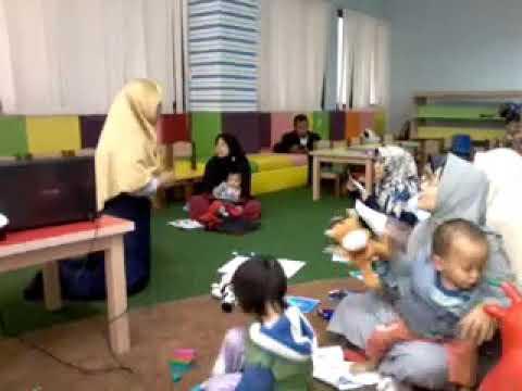 Pendongeng Bandung Kak Cucu Workshop English Storytelling