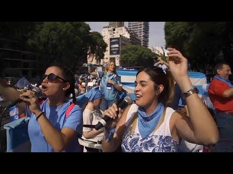شاهد: -دفاعا عن حياة اثنين-.. آلاف الأرجنتيين في شوارع العاصمة لمعارضة الإجهاض…  - 12:53-2019 / 3 / 24