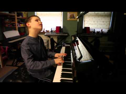 Piano virtuoso will blow you away - despite being 10 and blind