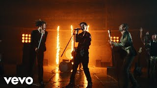 Don't Freak Out ft. iann dior, Travis Barker & Tyson Ritter (Official Video)