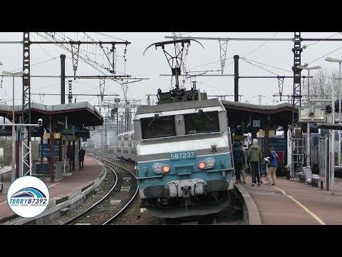 Passage de trains et RER D sur la ligne Paris - Lyon - Marseille en gare de Melun