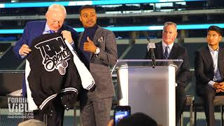 "Errol Spence gives Jerry Jones an Offical ""Team Spence"" Jacket at Dallas Press Conference"