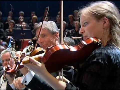 RLPO BBC Prom. Bruch. Leina Josefowicz Violin. Vaughan Williams Sea Symphony Schwarz. 2005 Part 1.