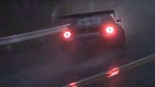 شاهد : نيسان GT-R بقوة 1000 حصان في استعراض دريفت تحت المطر