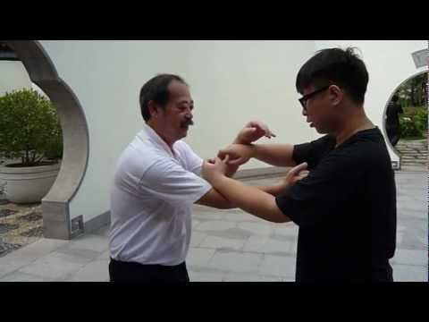 Lee Man Hung Ving Tsun in Tin Shui Wai 2012 - 詠春与李 - Chi Sau ( Q ) - Wing Chun