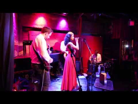 """Jules And The Jinks """"Ramble On"""" (Cover) Live At Rockwood Music Hall"""