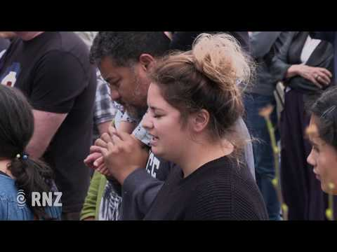Woman sings emotional rendition of Imagine at Wellington mosque