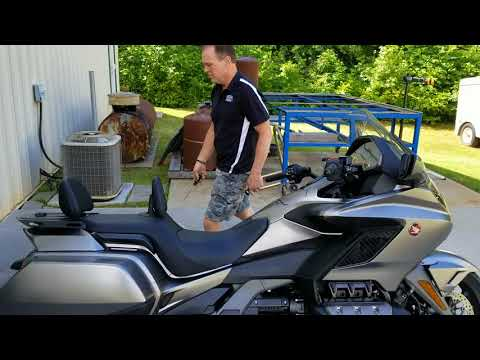 2018 Honda Gold Wing... Your Bike Bottoms Easily