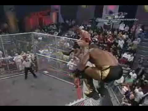 TNA-Elix Skipper walks the cage