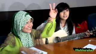 Fatin Shidqia Lubis feat Dera Idol ~ Pumped Up Kicks (cover)