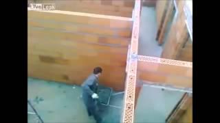 +100500 - Танцующий кальмар (ТОЛЬКО ВИДЕО)(Только видео из эпизода №172. http://vk.com/public64437956 - подписывайся на паблик :D., 2014-01-17T10:02:24.000Z)