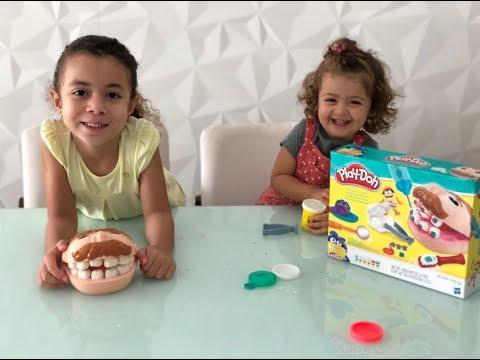 Alice dentista e sua assistente Sofia
