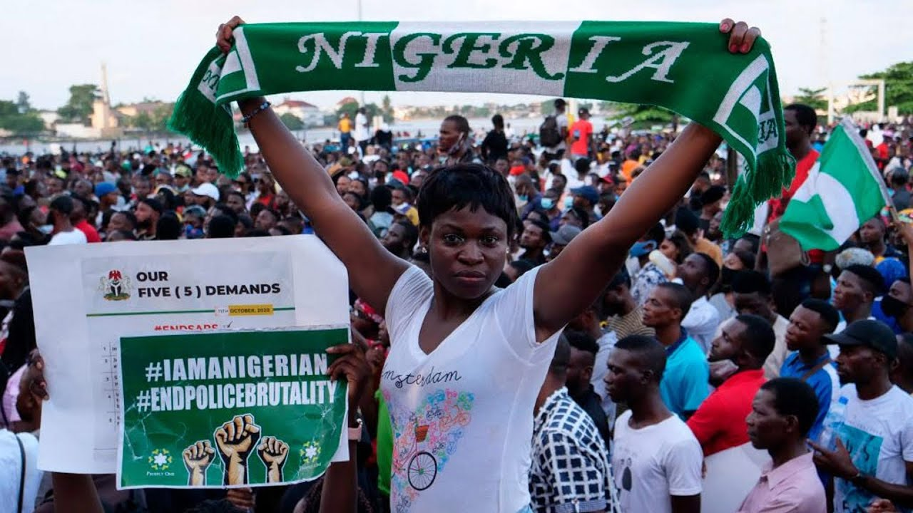 Nigerians protesting police brutality bring Lagos to standstill