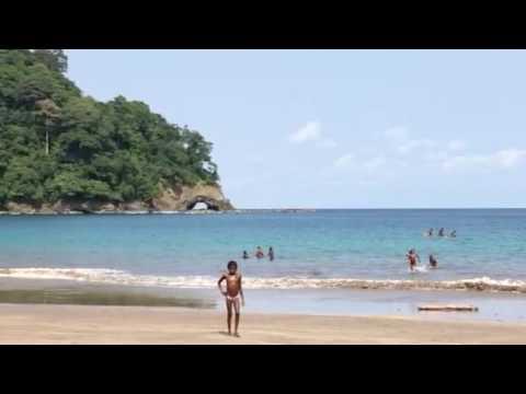 Paraíso em São Tomé e Príncipe. Praia colônia. África