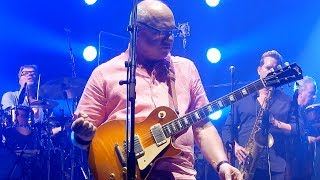 Mark Knopfler - Money for Nothing - Riverside Theater - Milwaukee, WI August 31, 2019 LIVE