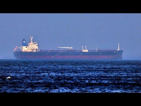 ...بريطانيا تحقق في تقارير عن تعرض سفينة للخطف قبالة الس  - نشر قبل 45 دقيقة