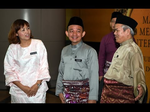 Maszlee: Islamic Studies Department to prepare manual to implement moral values for students