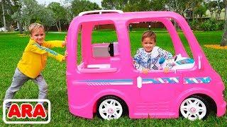ركوب فلاد ونيكيتا على سيارة باربي للتخييم