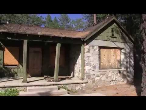 Abandoned California desert ranger's house - softypapa