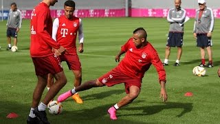 Douglas Costa vernascht Arturo Vidal - Erstes Training des Chilenen beim FC Bayern München